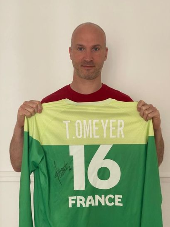 thierry-omeyer-maillot-vente-aux-encheres