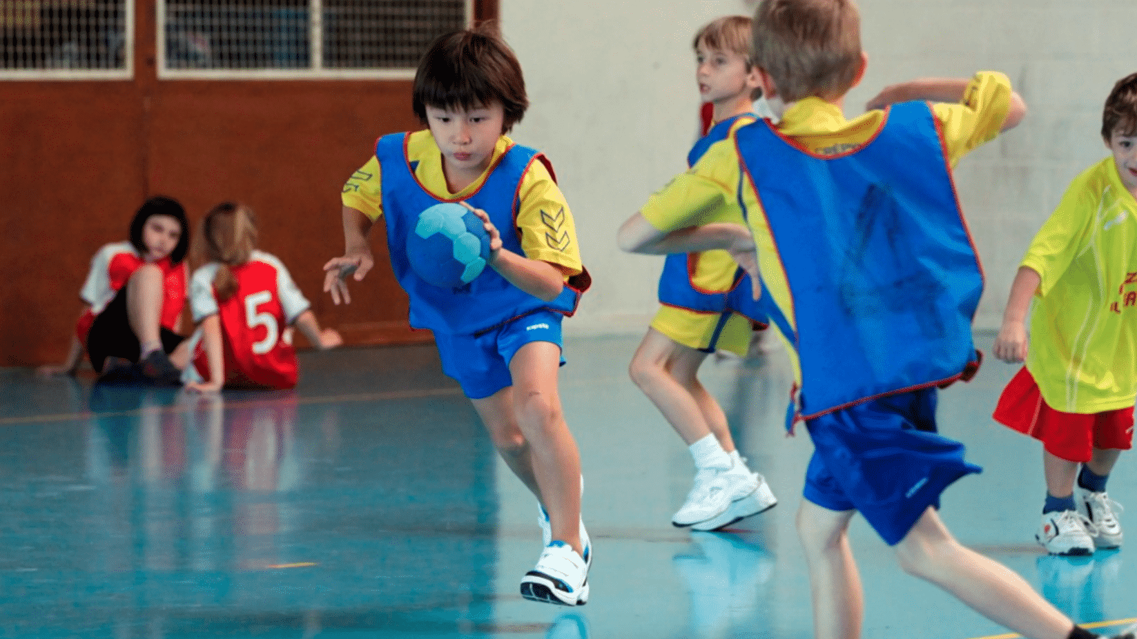 quelles-chaussures-de-handball-choisir-pour-les-enfants-1